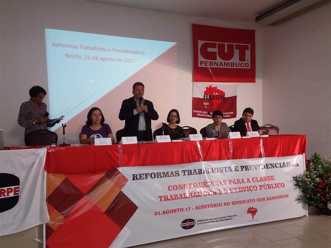 As reformas trabalhista e previdenciária foram tema de debate