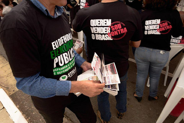 Sociedade civil intensifica luta contra privatização da Eletrobras