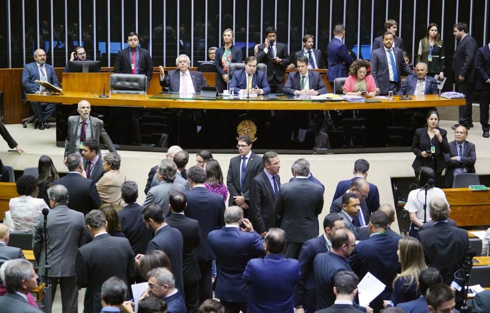 Câmara aprova texto-base da MP da liberdade econômica com regras para trabalho ao domingo
